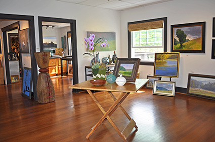Banner Elk shopping at Art Celler Gallery in North Carolina
